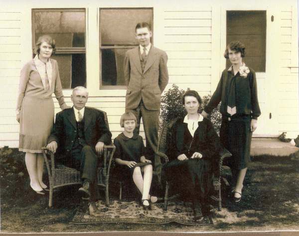 Michaelson family 1929.jpg - Standing lef to right: Idella Michaelson Depson, Norman Malcolm Michaelson, Aurora Michaelson Michaelson. Seated lef to right: Michael Michaelson, nee Tømmerstøl, Martha Michaelson West, Malinda (Malena) Michaelson, nee Larson, daughter of Inger Larson, nee Støve. (Madera California 1929 - By permission of Diane West)